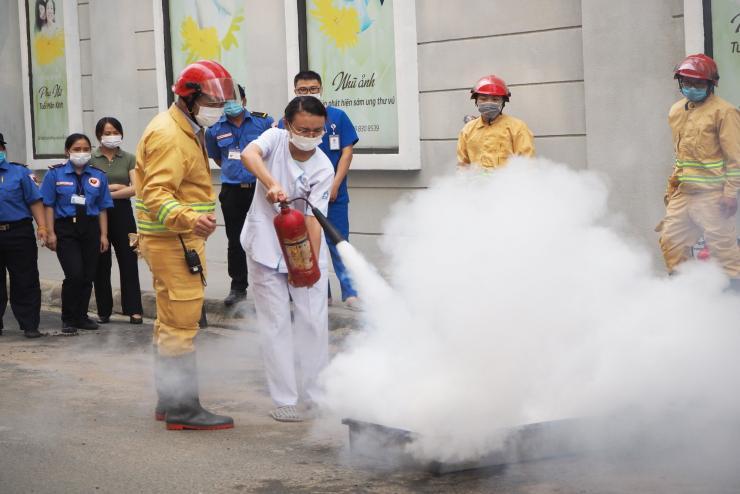 Bệnh viện Mỹ Đức Phú Nhuận - Diễn tập phương án chữa cháy cứ nạn - cứu hộ